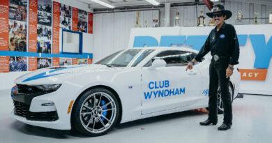Petty's Garage sponsor Club Wyndham