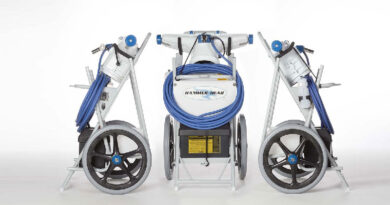 Hammer-Head Pool Cleaning Machine