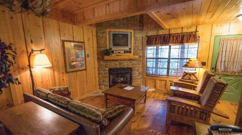 Cabins at Green Mountain_LaTour